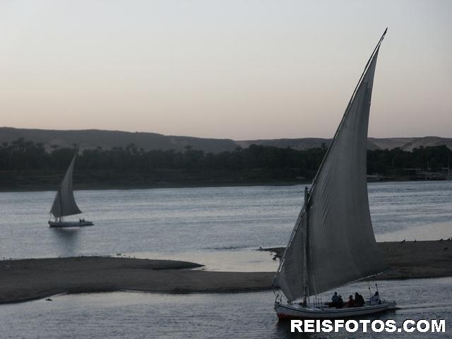 Varend op de Nijl bij Aswan