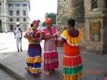 Kleurrijke dames in Havanna